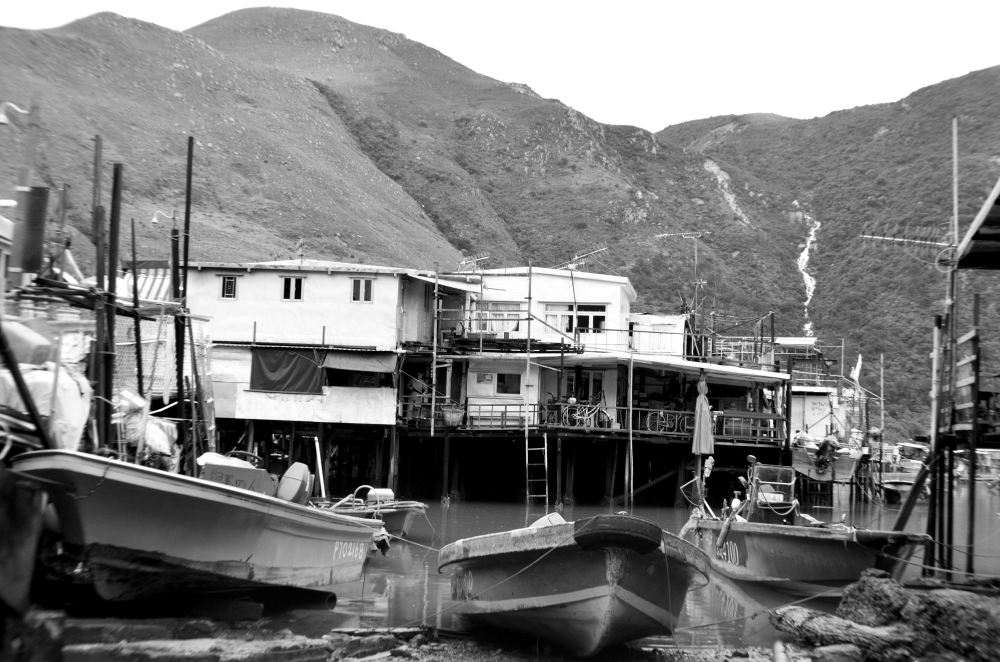 Tai O grounded boats